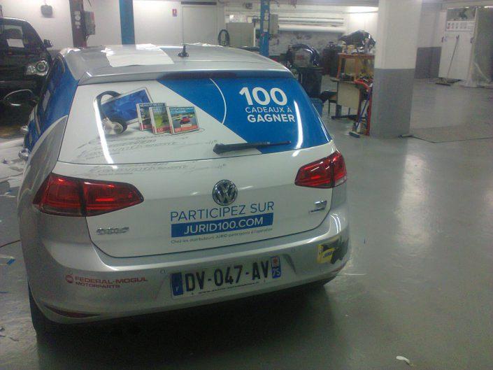 Habillage de véhicule pour les entreprises. Véhicule promotionnel