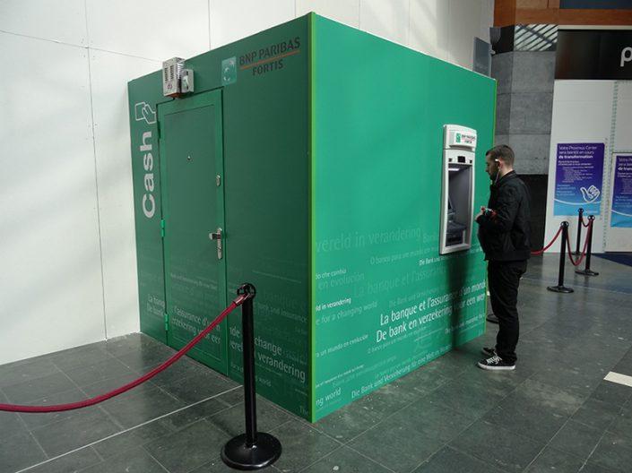 Le cash Unit est un conteneur blindé qui est installé devant agence lors travaux.