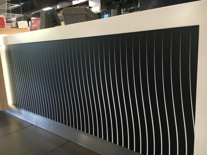 Quick Jambes - décoration du comptoir en adhésif polymère avec laminât protection polymère LF3998