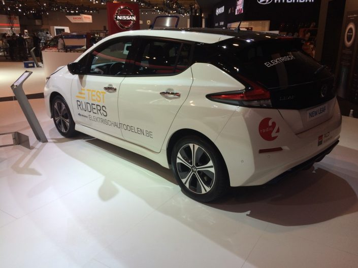Nissan_Leaf_ALD4-lettrage voiture